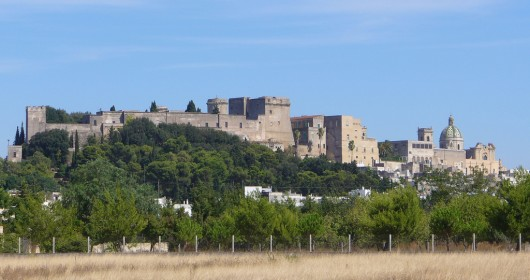 Bike tour through nature, archaeology and wine in the Lands of Primitivo