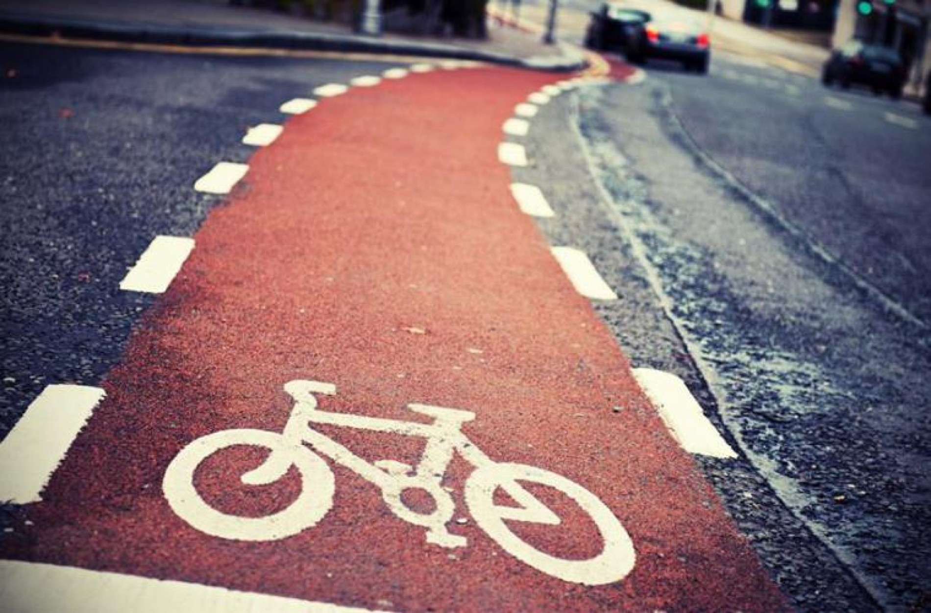CYCLING IN TOTAL SAFETY