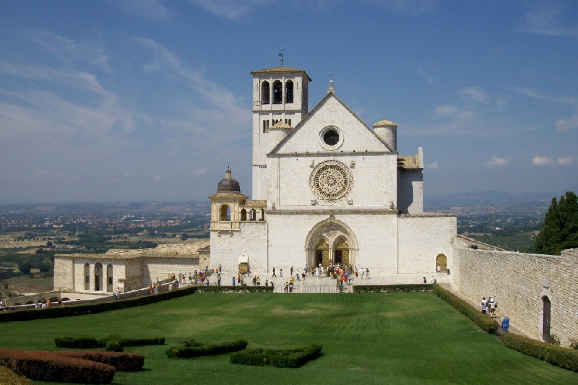 ON THE FOOTSTEPS OF THE SAINT FROM ASSISI, OR BIKING ALONG OLD RAILWAYS