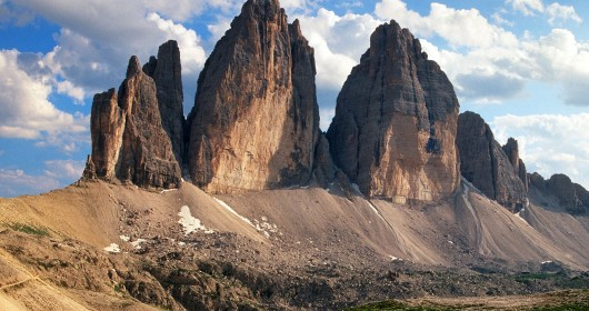 Cycling in the shadow of the Lavaredo's Three Peaks