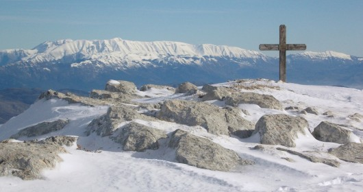 Abruzzo: snowshoeing on Mount Cagno